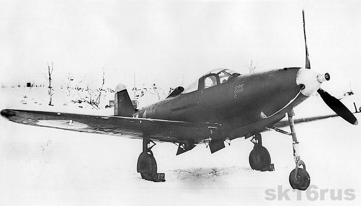Аэрокобра P-39M-1 командира звена 255 ИАП ст.л-та П.А. Рассадкина. Аэродром Ваенга-1, зима 1943-44 гг. (из коллекции Г. Петрова).